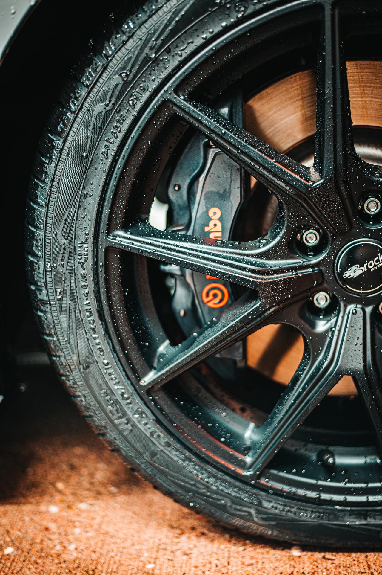 รถของคุณถึงเวลาเปลี่ยนยางหรือยังนะ มาดูวิธีเช็กสภาพและเลือกยางที่เหมาะสมกัน
